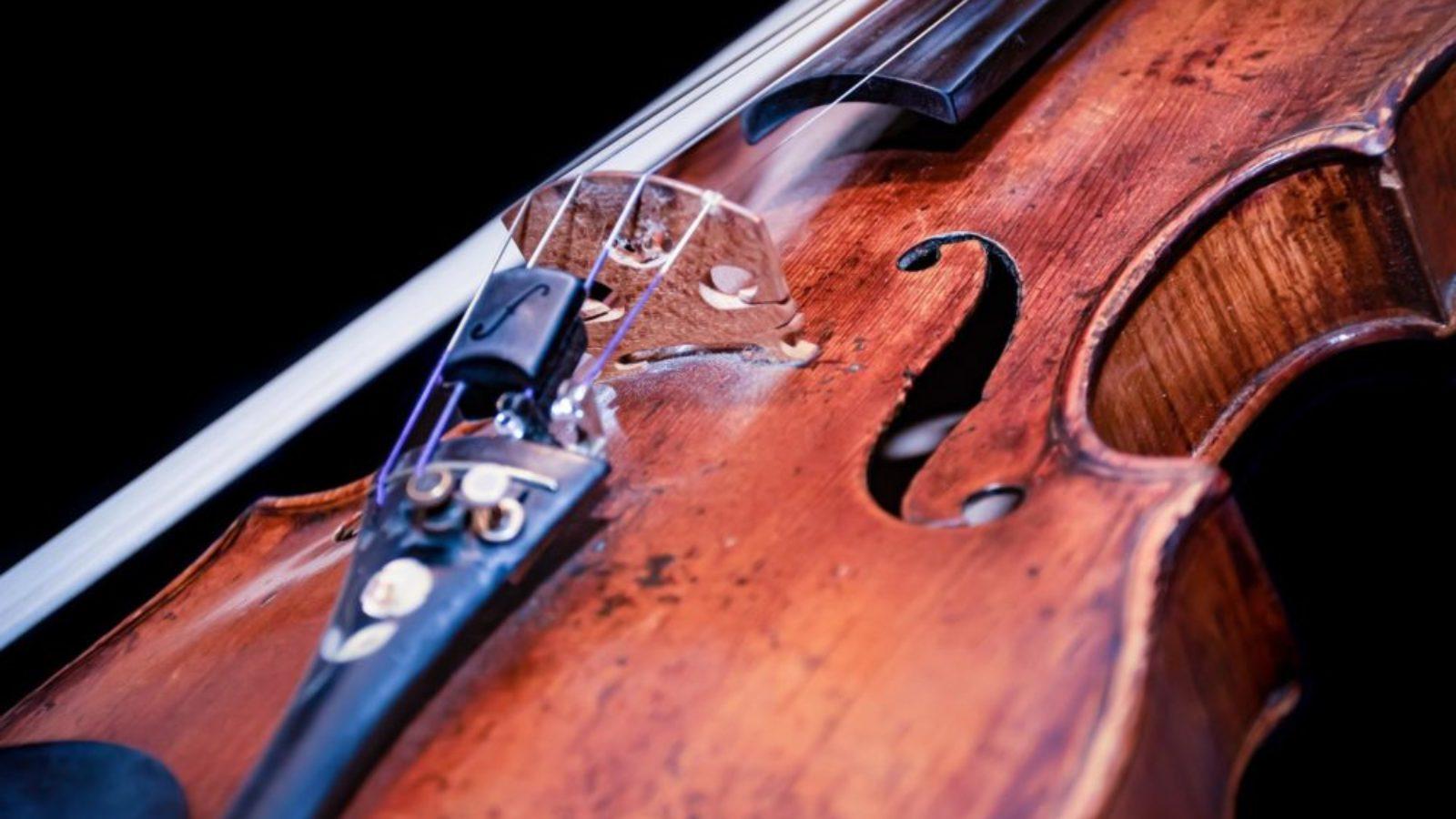 ヴァイオリンの弓の毛替え、時期やタイミングはどのくらい?交換にかかる値段も解説します