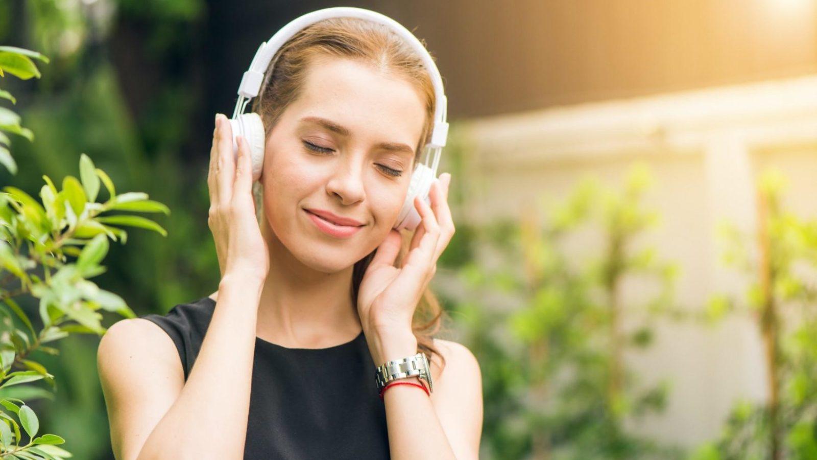 クラシック音楽をじっくり聴くなら!ヘッドホンおすすめ7選【高音質で1万円以下あり】